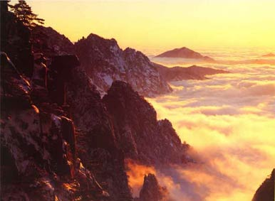 Sunrise in Mt.Huangshan