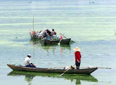 Dianchi Lake Fishmen in Kunming
